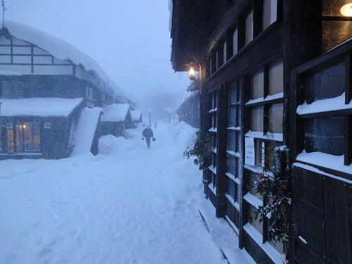 玄関前雪.jpg