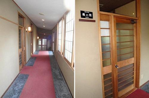 部屋入り口.jpg